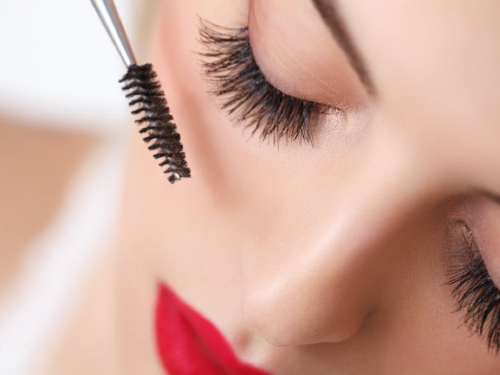 makeup_1.jpg